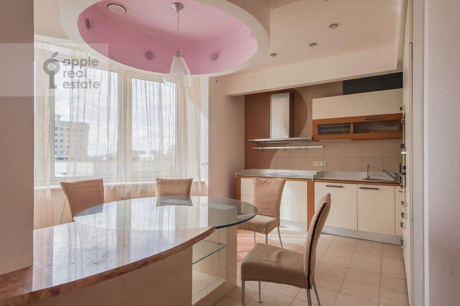 Кухня в 4-комнатной квартире по адресу Ленинский проспект 128