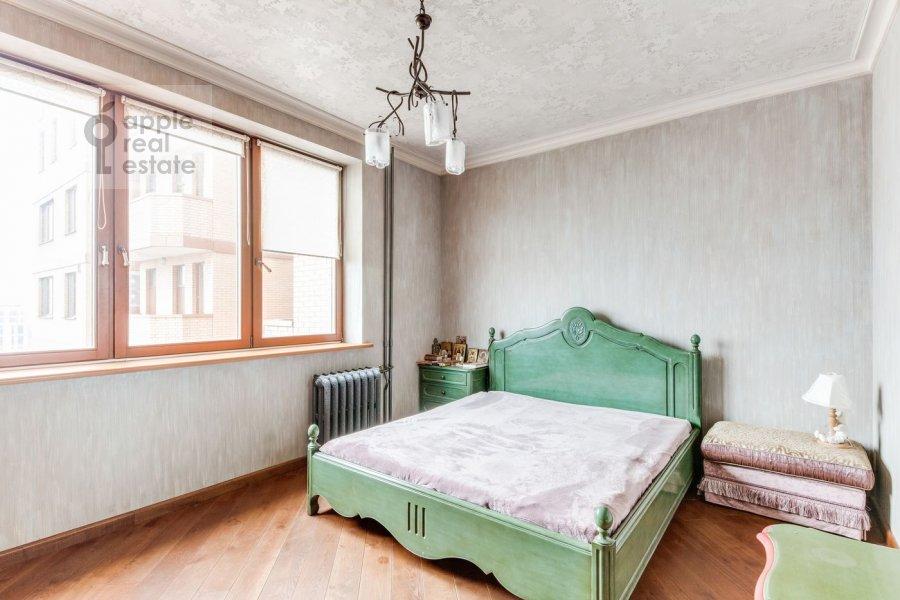 Гостиная в 3-комнатной квартире по адресу Университетский проспект 16