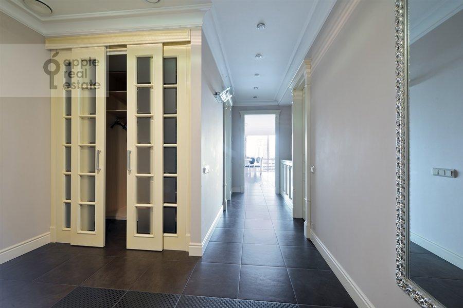 Corridor of the 4-room apartment at Nezhinskaya ul. 1k1