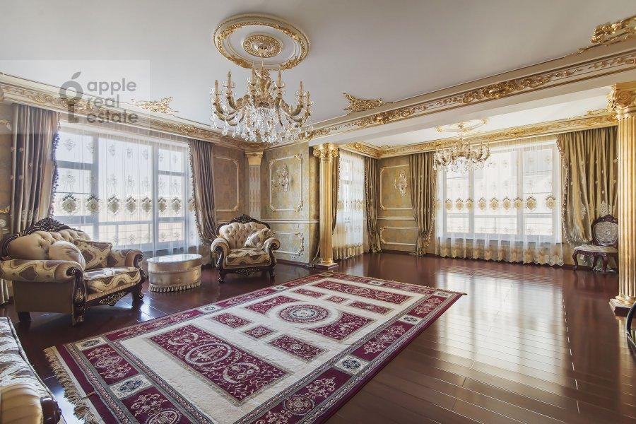 Living room of the 4-room apartment at Michurinskiy prospekt 6k2