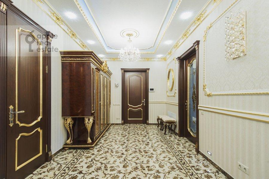 Corridor of the 4-room apartment at Michurinskiy prospekt 6k2