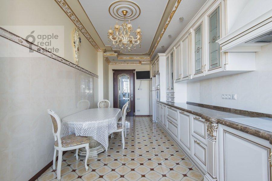 Кухня в 4-комнатной квартире по адресу Мичуринский проспект 6к2
