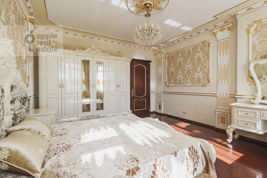 Bedroom of the 4-room apartment at Michurinskiy prospekt 6k2