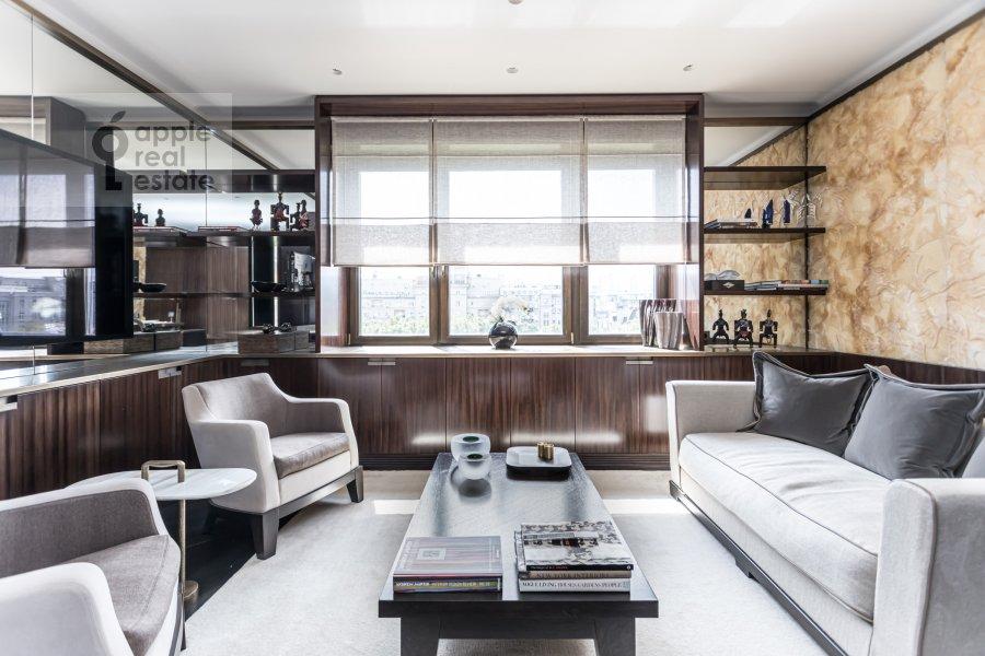 Living room of the 2-room apartment at Malaya Bronnaya ulitsa 34