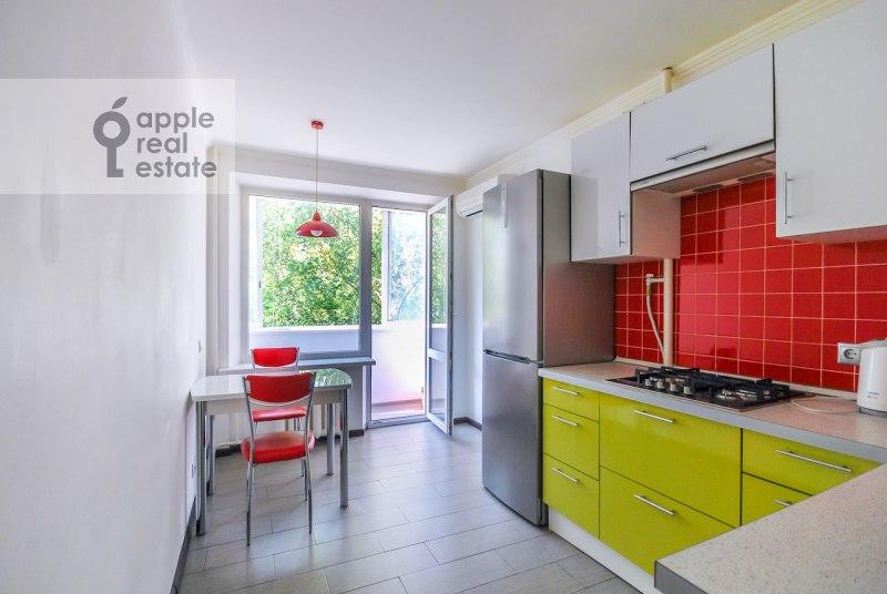 1-room apartment at Novolesnaya ul. 18s2
