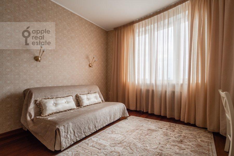 Детская комната / Кабинет в 4-комнатной квартире по адресу Профсоюзная улица 41