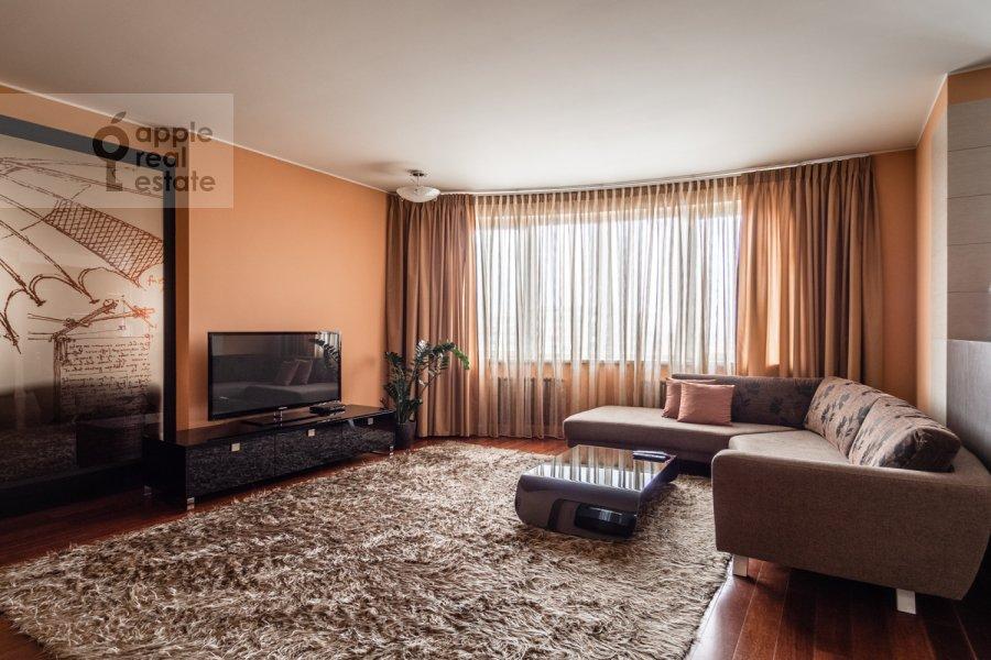 Гостиная в 4-комнатной квартире по адресу Профсоюзная улица 41