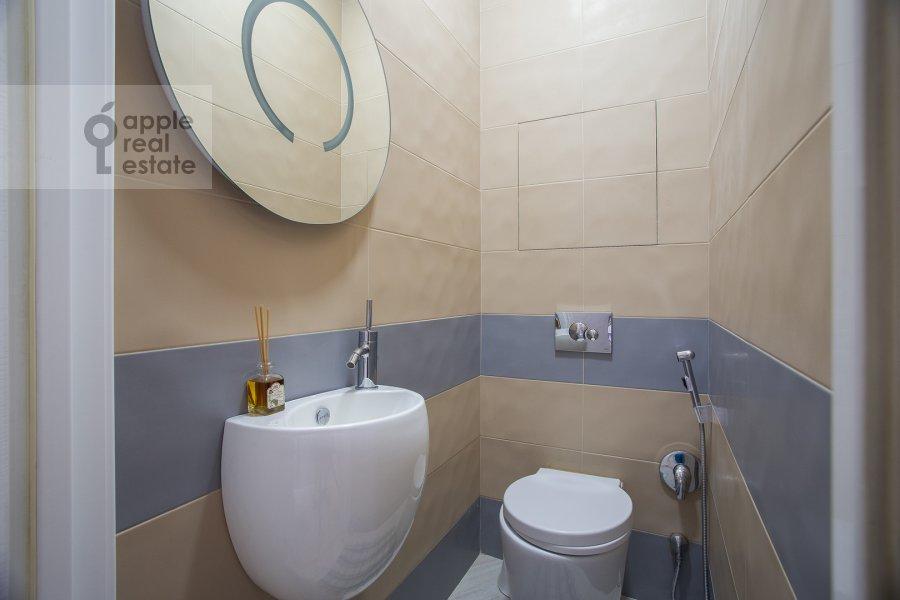 Bathroom of the 2-room apartment at Smolenskiy bul'var 1/2