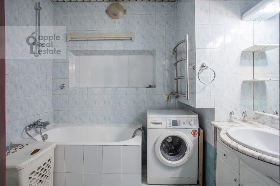 3-комнатная квартира по адресу Ермолаевский пер. 18а