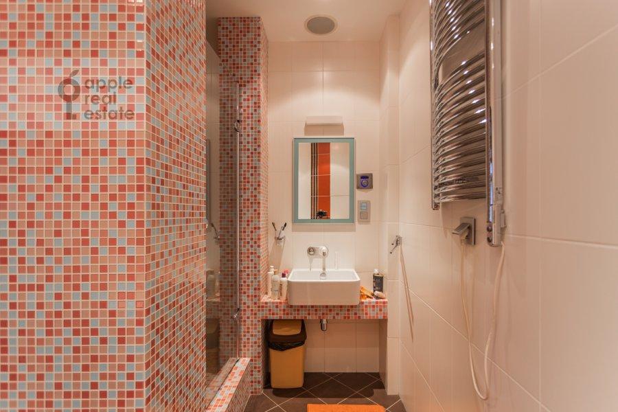 Bathroom of the 2-room apartment at Bol'shaya Yakimanka 22K3