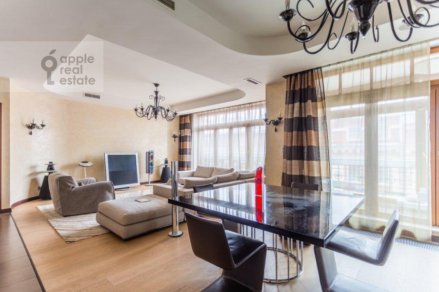 Living room of the 2-room apartment at Bol'shaya Yakimanka 22K3