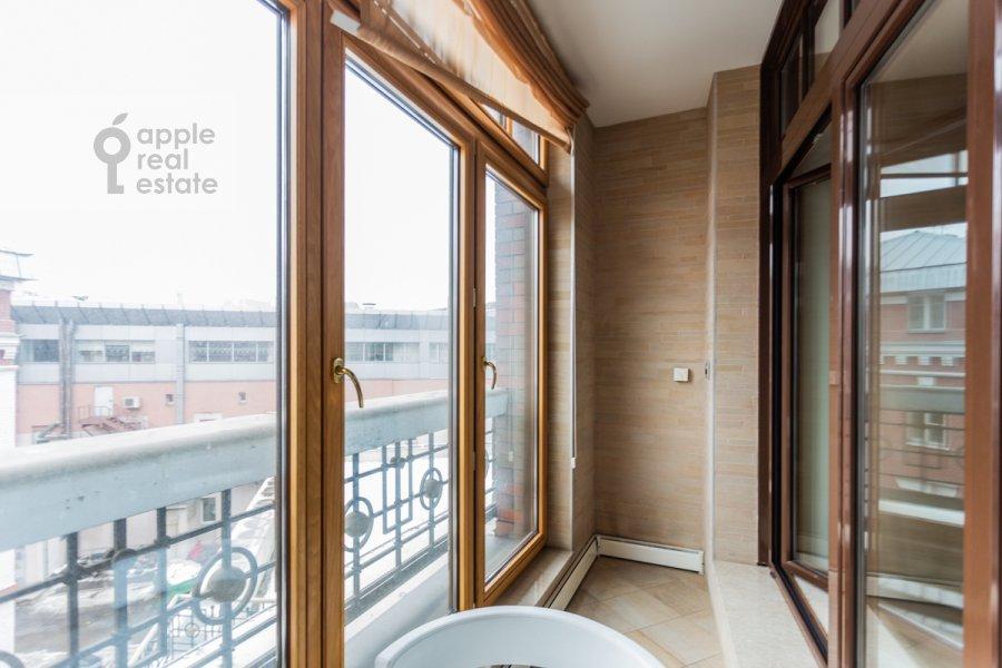 Balcony / Terrace / Loggia of the 2-room apartment at Bol'shaya Yakimanka 22K3