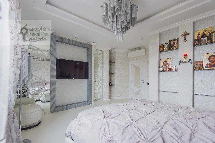 Спальня в 4-комнатной квартире по адресу Мичуринский пр-т. 26