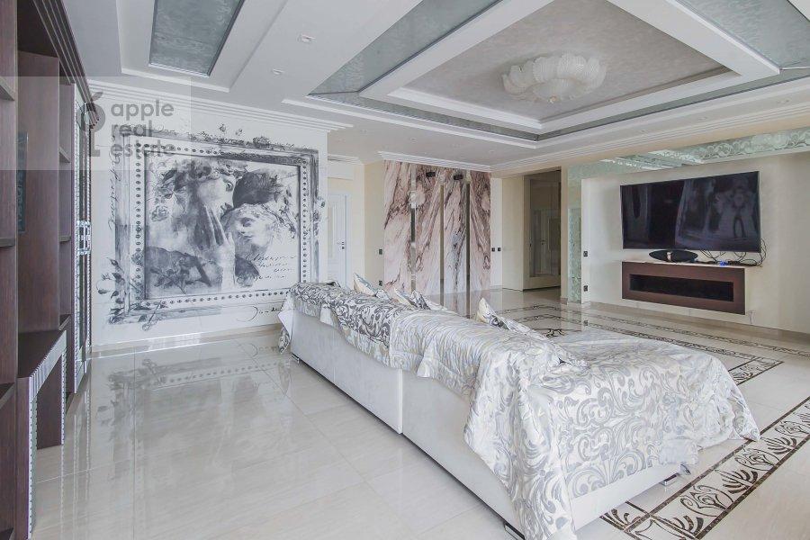Гостиная в 4-комнатной квартире по адресу Мичуринский пр-т. 26