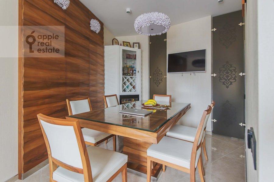 Кухня в 4-комнатной квартире по адресу Мичуринский пр-т. 26