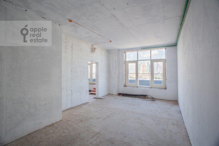 Bedroom of the 4-room apartment at Novyy Arbat 32