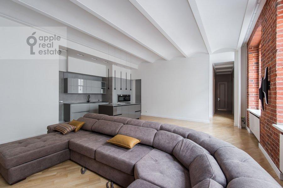 Living room of the 5-room apartment at Gogolevskiy bul'v. 23