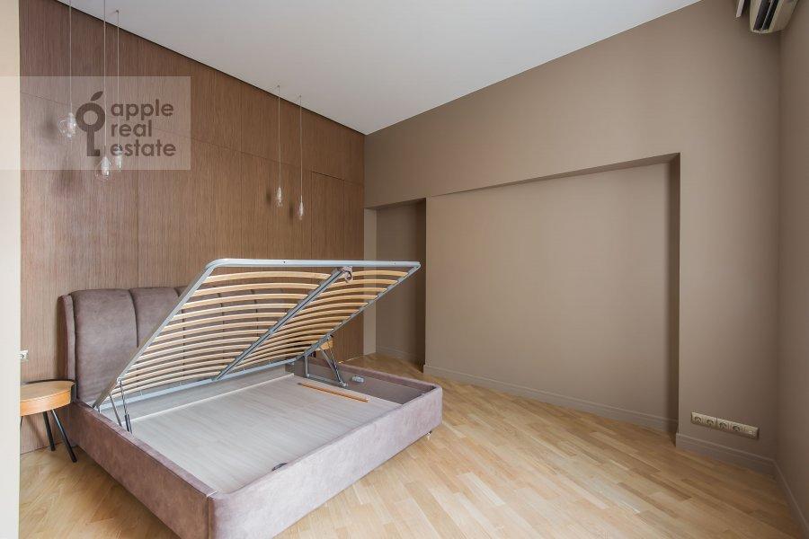 Bedroom of the 5-room apartment at Gogolevskiy bul'v. 23