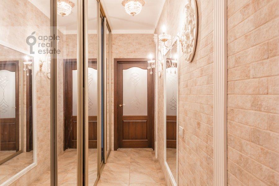 Corridor of the 2-room apartment at Narodnogo Opolcheniya ul. 11