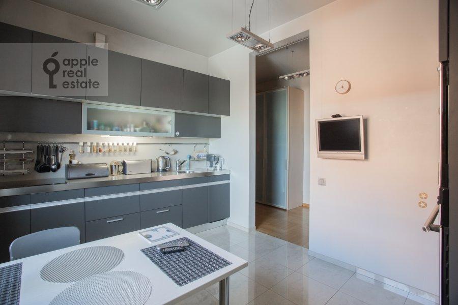 Кухня в 3-комнатной квартире по адресу Сухаревский Большой пер. 11