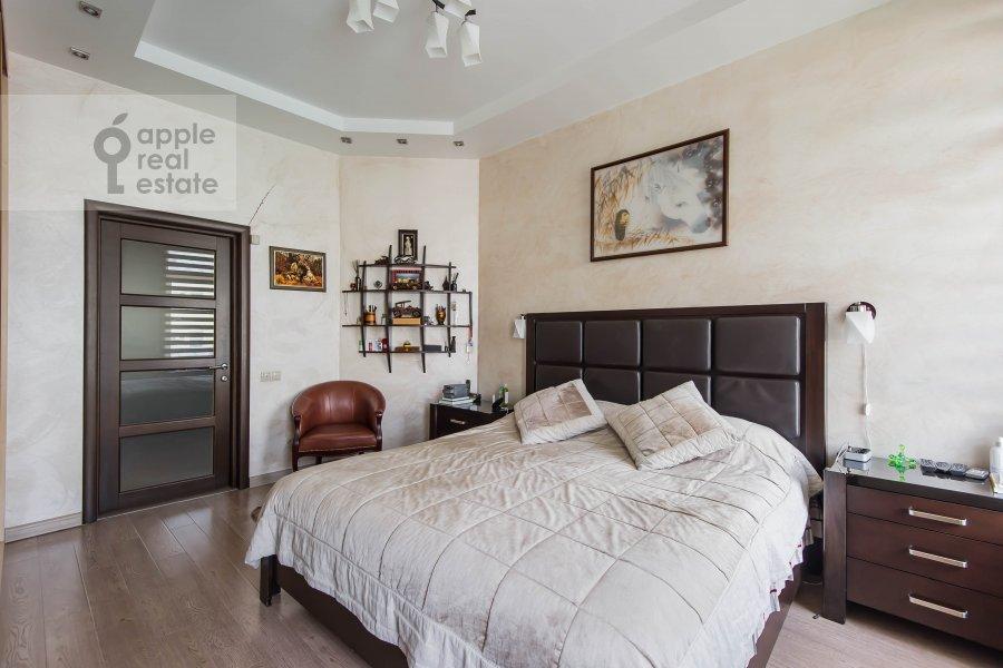 Гостиная в 3-комнатной квартире по адресу Петровка 17с4