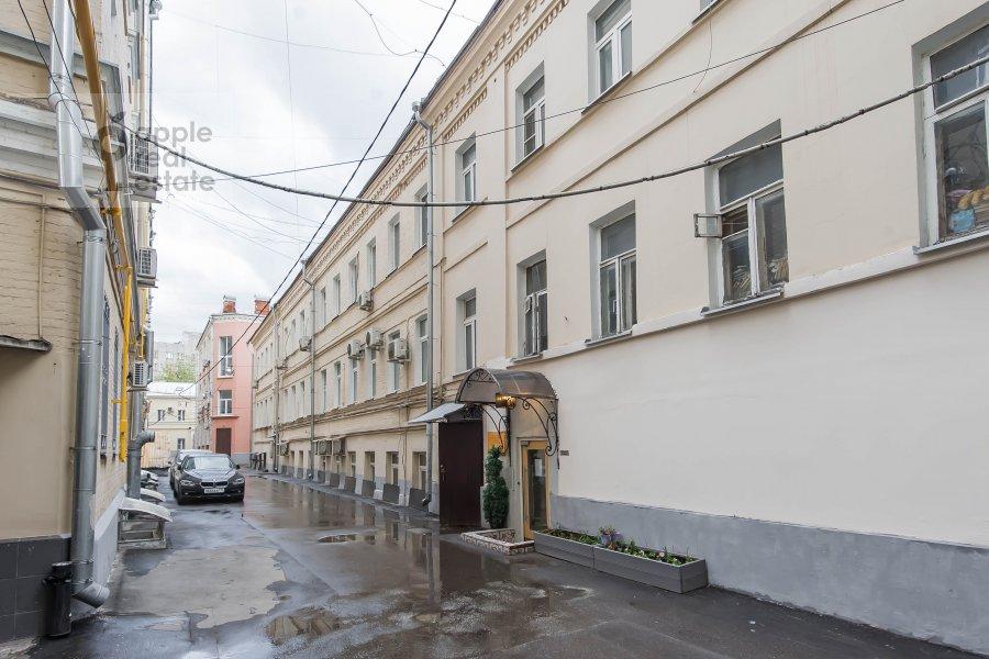 Фото дома 3-комнатной квартиры по адресу Петровка 17с4