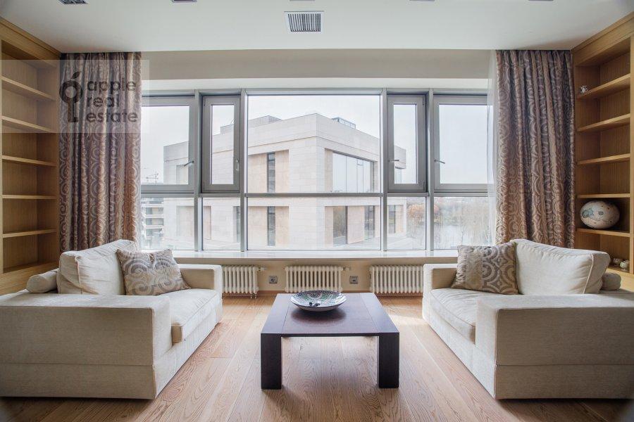 Гостиная в 2-комнатной квартире по адресу Улофа Пальме ул. 7