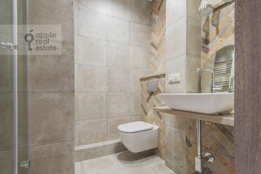 Bathroom of the 2-room apartment at B. Kozikhinskiy per. 17s1