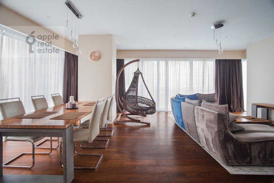 Living room of the 3-room apartment at 1-y Krasnogvardeyskiy proezd 21s1