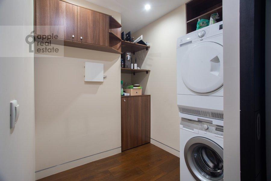 Walk-in closet / Laundry room / Storage room of the 3-room apartment at 1-y Krasnogvardeyskiy proezd 21s1