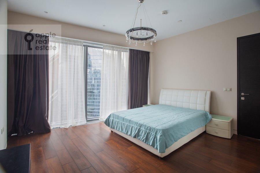 Bedroom of the 3-room apartment at 1-y Krasnogvardeyskiy proezd 21s1