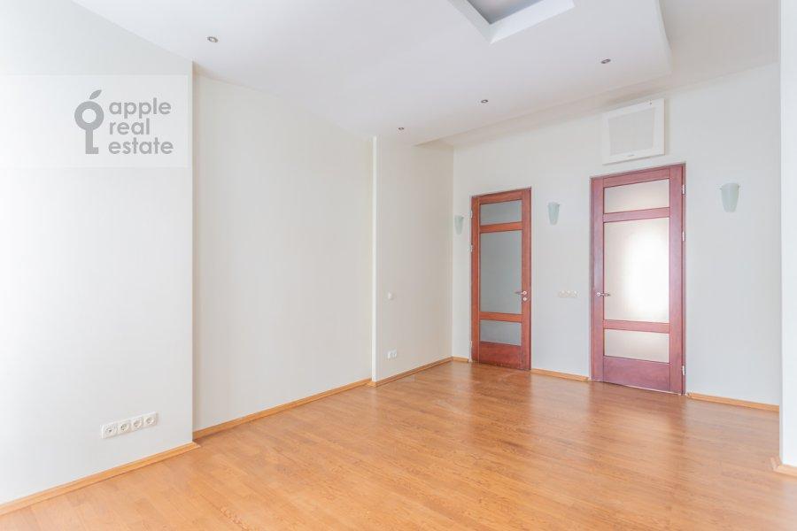 Bedroom of the 5-room apartment at Filippovskiy per. 9