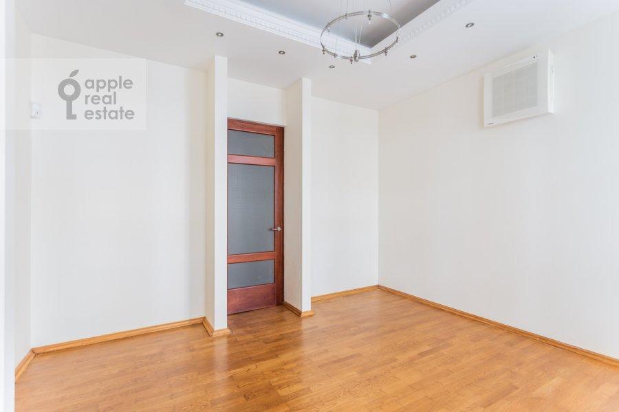 Corridor of the 5-room apartment at Filippovskiy per. 9