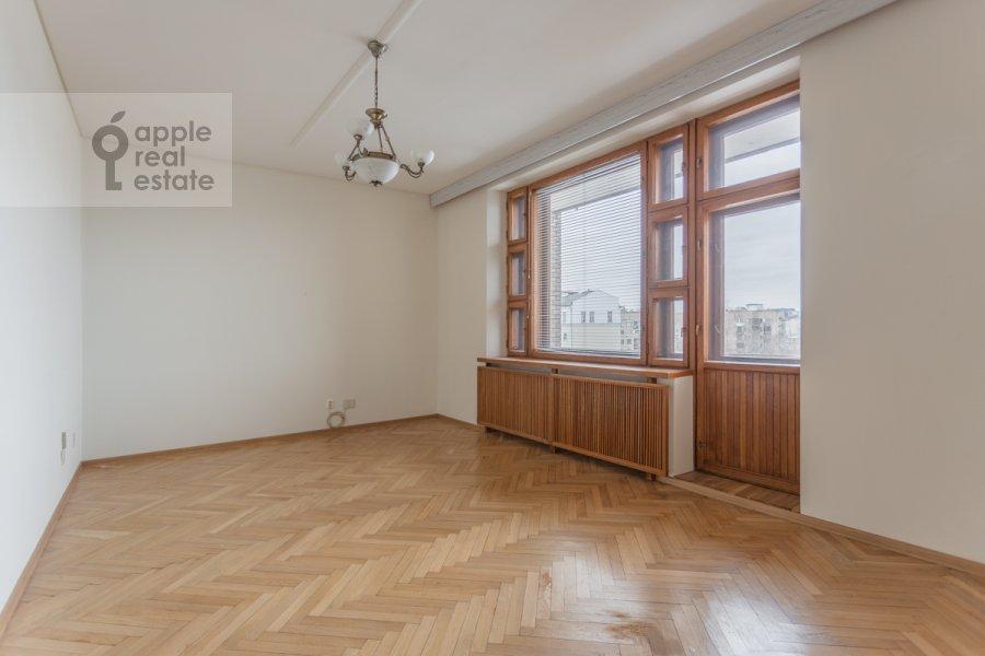 Bedroom of the 3-room apartment at Granatnyy per. 10s1