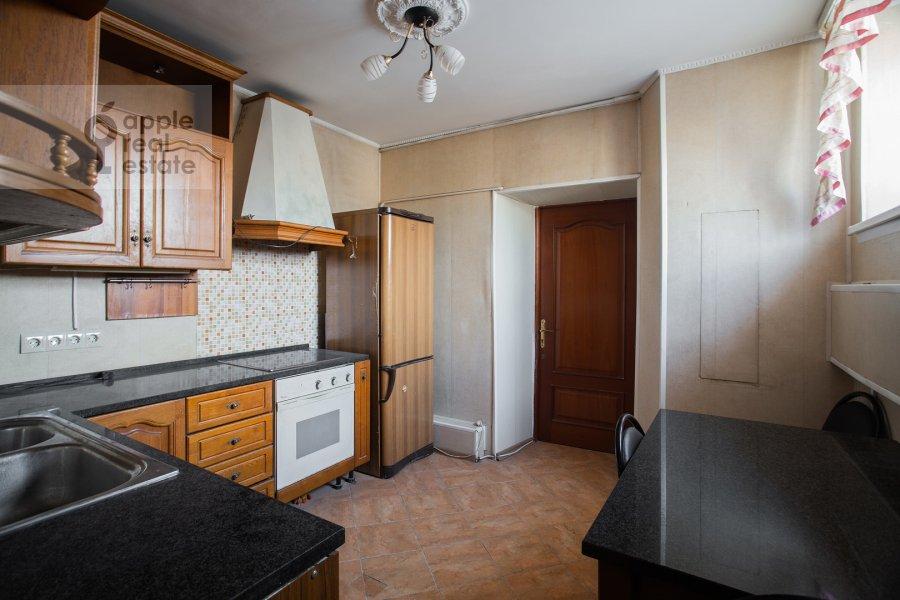 Кухня в 3-комнатной квартире по адресу Тверская ул. 27