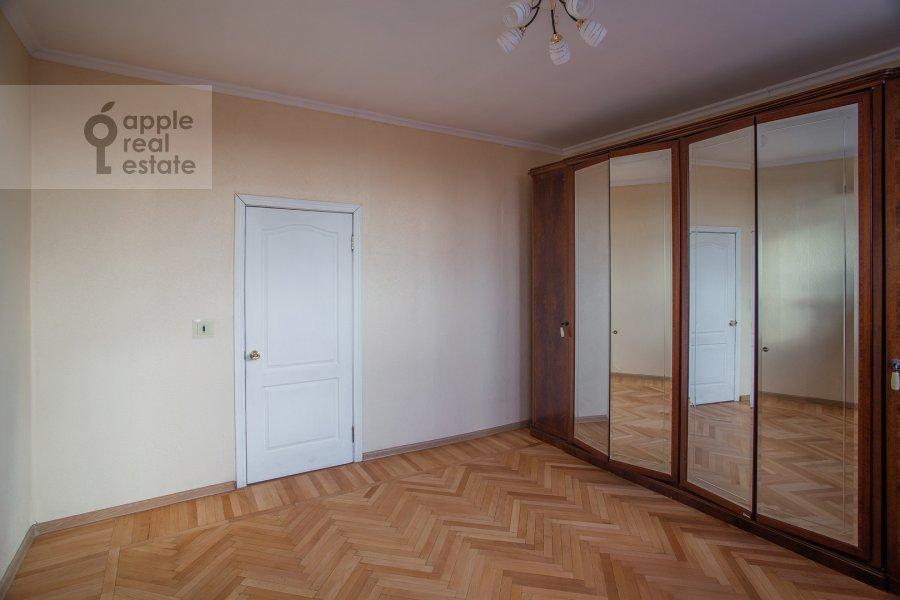 Спальня в 3-комнатной квартире по адресу Тверская ул. 27