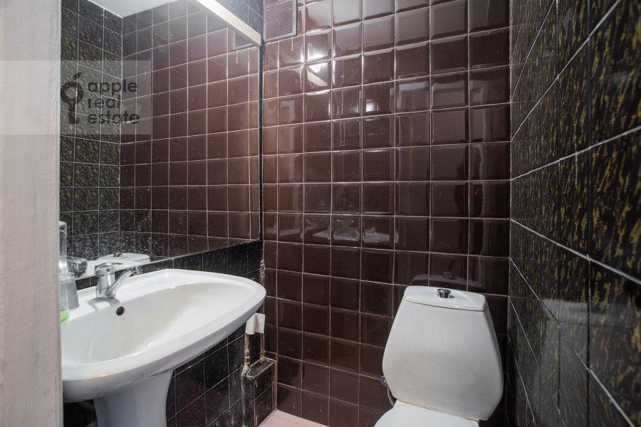 Санузел в 3-комнатной квартире по адресу Тверская ул. 27