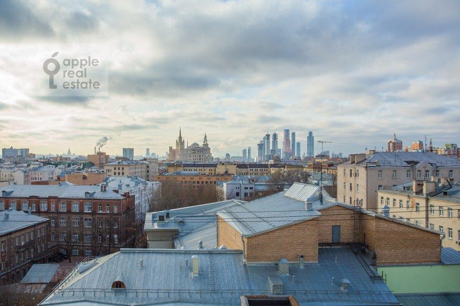 Вид из окна в 3-комнатной квартире по адресу Тверская ул. 27