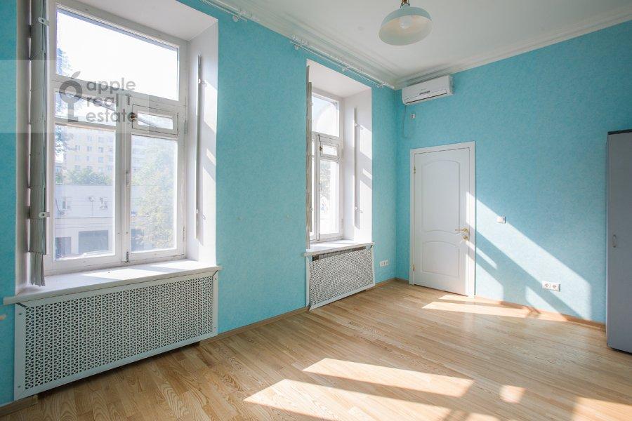 Спальня в 5-комнатной квартире по адресу Новокузнецкая ул. 33с1