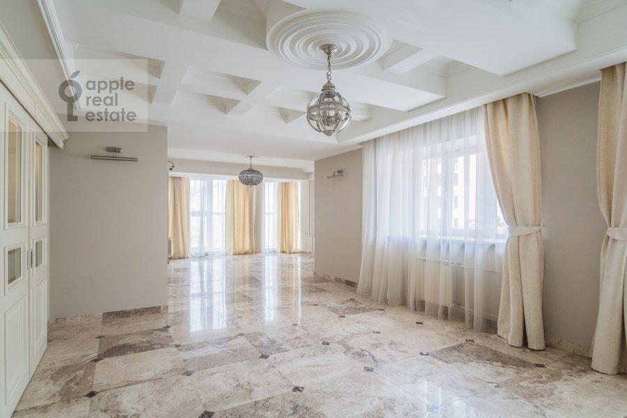 Гостиная в 4-комнатной квартире по адресу Тверская-Ямская 1-я ул. 9