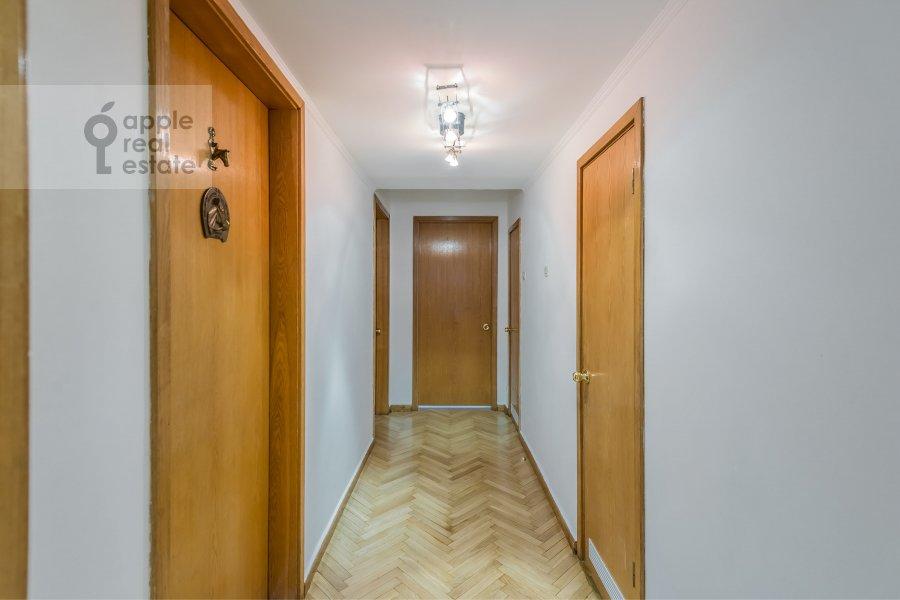Corridor of the 4-room apartment at Bronnaya Malaya ul. 38