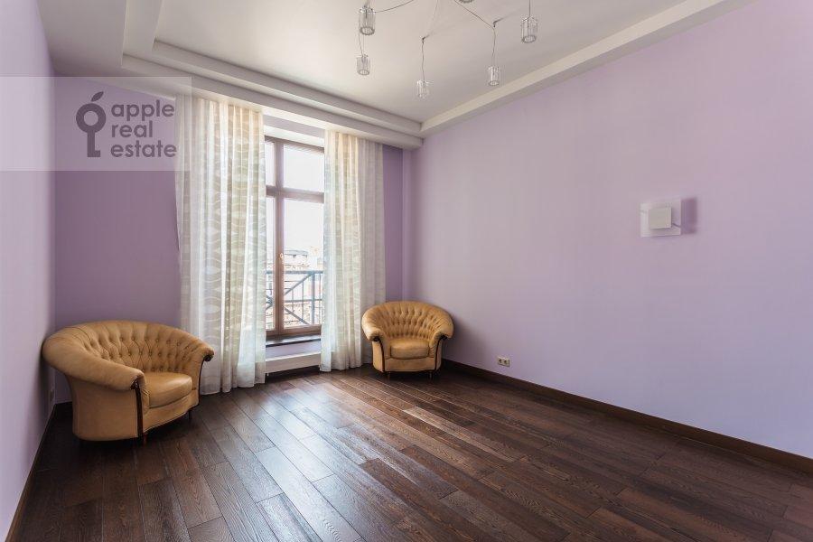 Children's room / Cabinet of the 4-room apartment at Malaya Polyanka 2