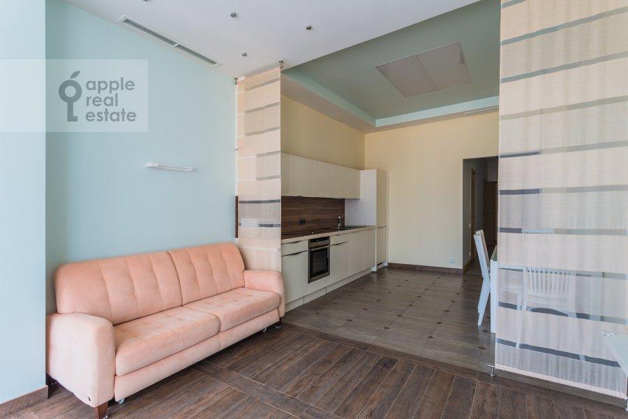 Living room of the 4-room apartment at Malaya Polyanka 2