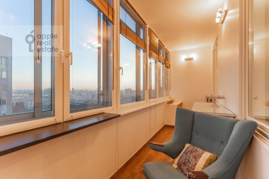 Balcony / Terrace / Loggia of the 2-room apartment at proezd Berezovoy Roshii 6