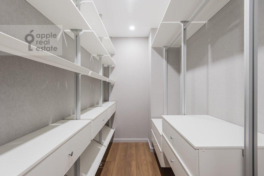 Walk-in closet / Laundry room / Storage room of the 3-room apartment at Leninskiy prospekt 95B