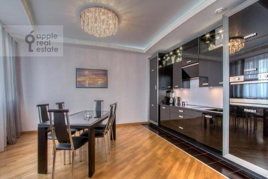 Кухня в 3-комнатной квартире по адресу Профсоюзная, 64