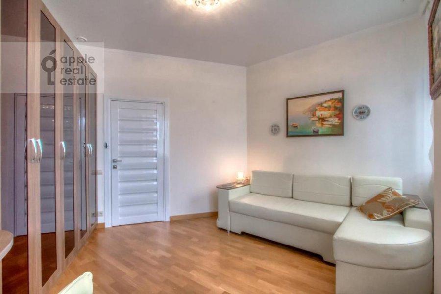 3-room apartment at Profsoyuznaya, 64