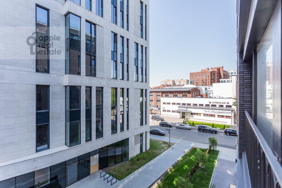Вид из окна в 3-комнатной квартире по адресу Усачева улица 9