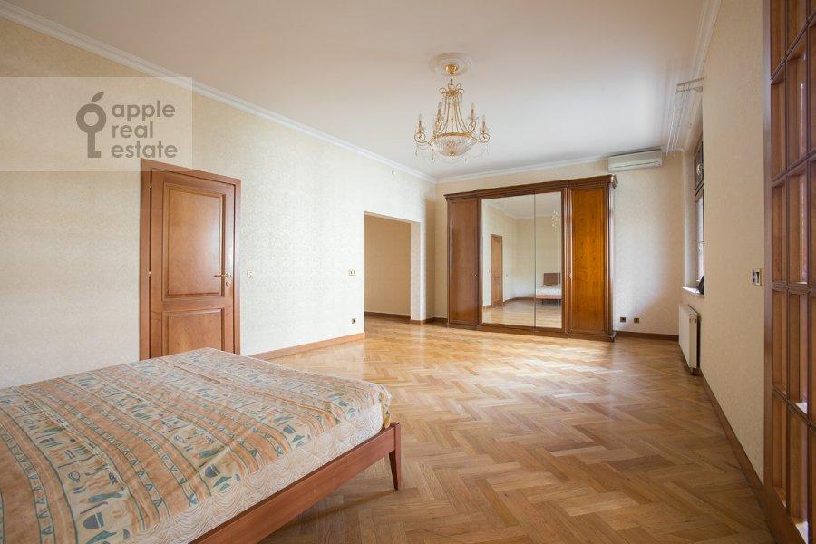 Спальня в 4-комнатной квартире по адресу Лесная ул. 6к1