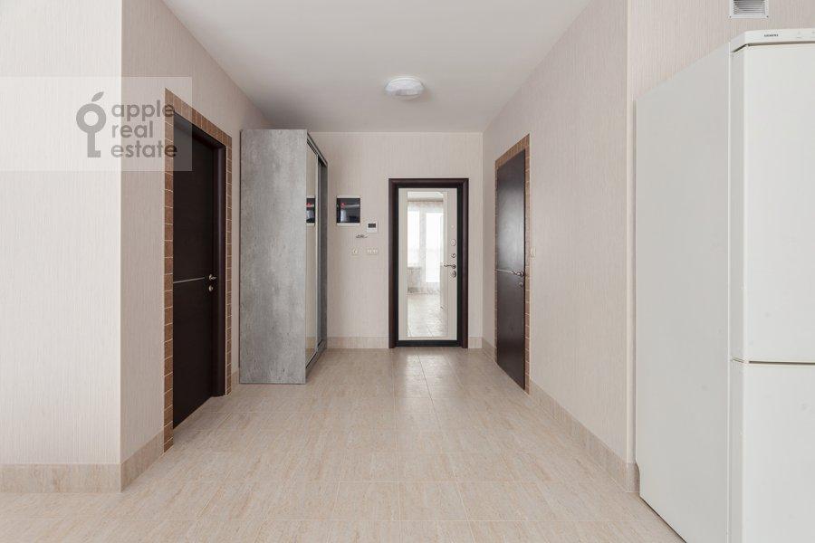 Corridor of the 3-room apartment at Konyukhova 9